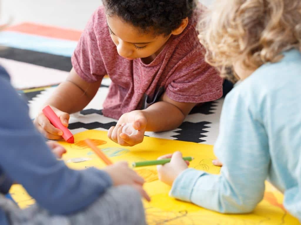 Das gilt ab 8. Juni 2020 für die Kindertagesbetreuung - copyright: Envato / bialasiewicz