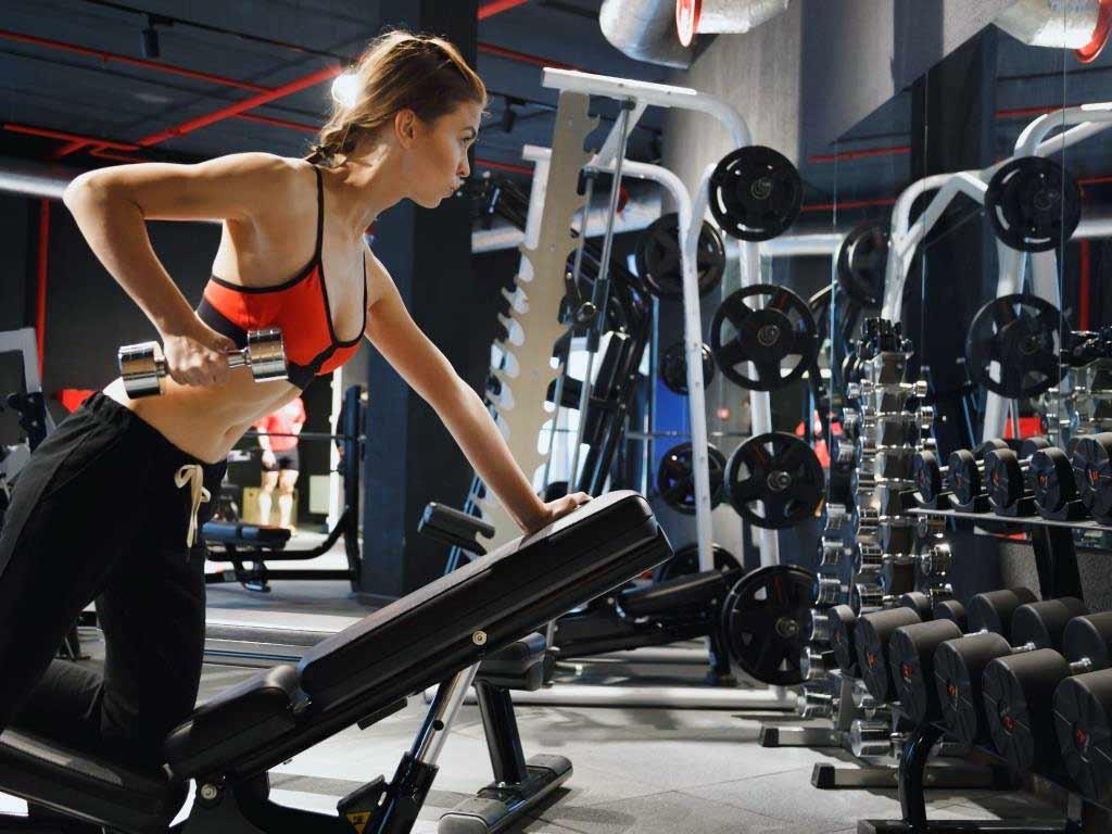 Seit dem 11. Mai 2020 haben Fitnessstudios in Köln wieder geöffnet. copyright: Envato / Vladdeep