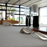 Ab 11. Mai 2020 dürfen in NRW die Gastronomiebetriebe wieder öffnen. Es gibt aber zahlreiche Regeln und Bestimmungen. copyright: Envato / Redzen2