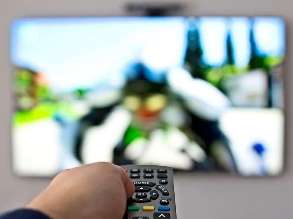 Per Knopfdruck zum Kinoerlebnis in der eigenen Wohnungen: Streamingdienste für Filem und Serien machen es möglich! copyright: Envato / johan10
