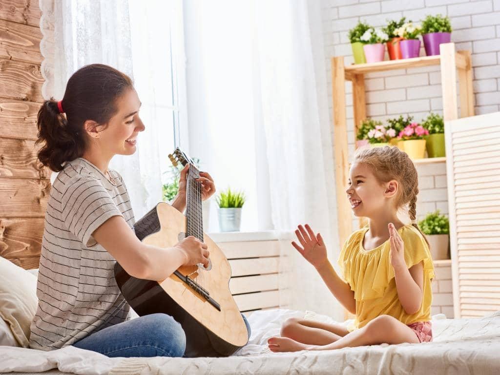 Ab 8. Juni 2020 ist auch die Kindertagespflege wieder möglich. copyright: Envato / choreograph