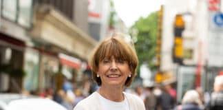 """Kölns Oberbürgermeisterin Henriette Reker befindet sich aktuell wegen einer """"akuten Diagnose"""" in stationärer Behandlung der Uniklinik Köln. (Archivbild)"""