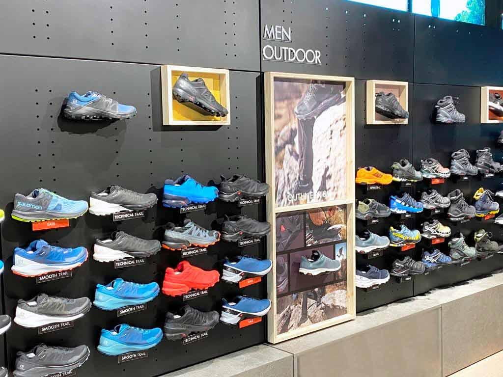 Zum Service des neuen Salomon-Stores in Köln gehört auch eine Laufband-Analyse, um für die Kunden den perfekten Schuh zu finden. copyright: Salomon