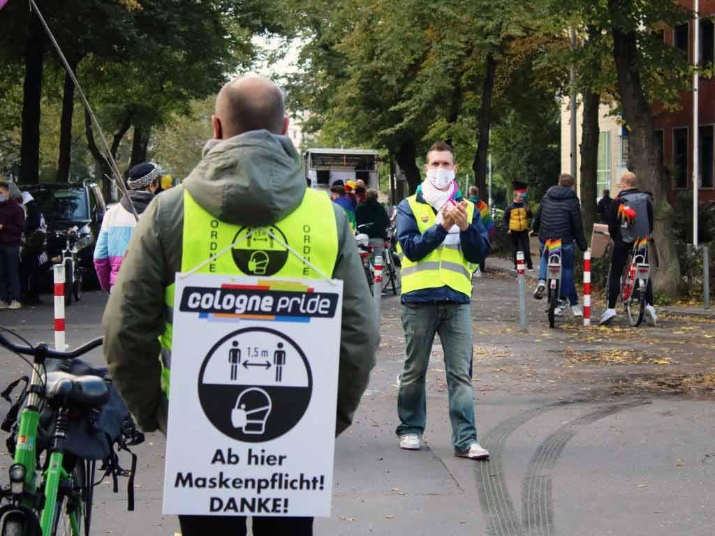 Die Veranstalter hatten, damit die CSD-Demo stattfinden konnte, ein umfangreiches Hygiene- und Ablaufkonzept erstellt.
