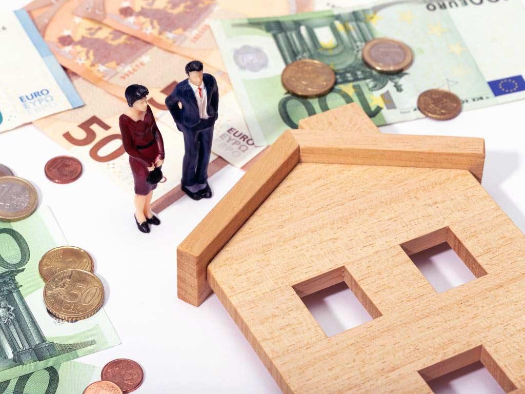 Die Angst vieler Eigentümer,dass die Immobilienpreise durch die Corona-Krise rapide sinken würden, ist bisher scheinbar unbegründet.