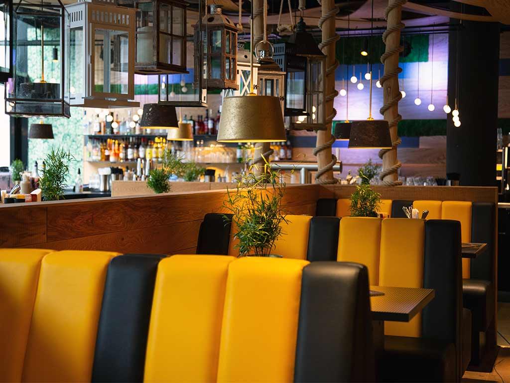 Das Interieur im Kölner Peter Pane ist mit viel Liebe zum Detail gestaltet und sorgt für Wohlfühlatmosphäre.