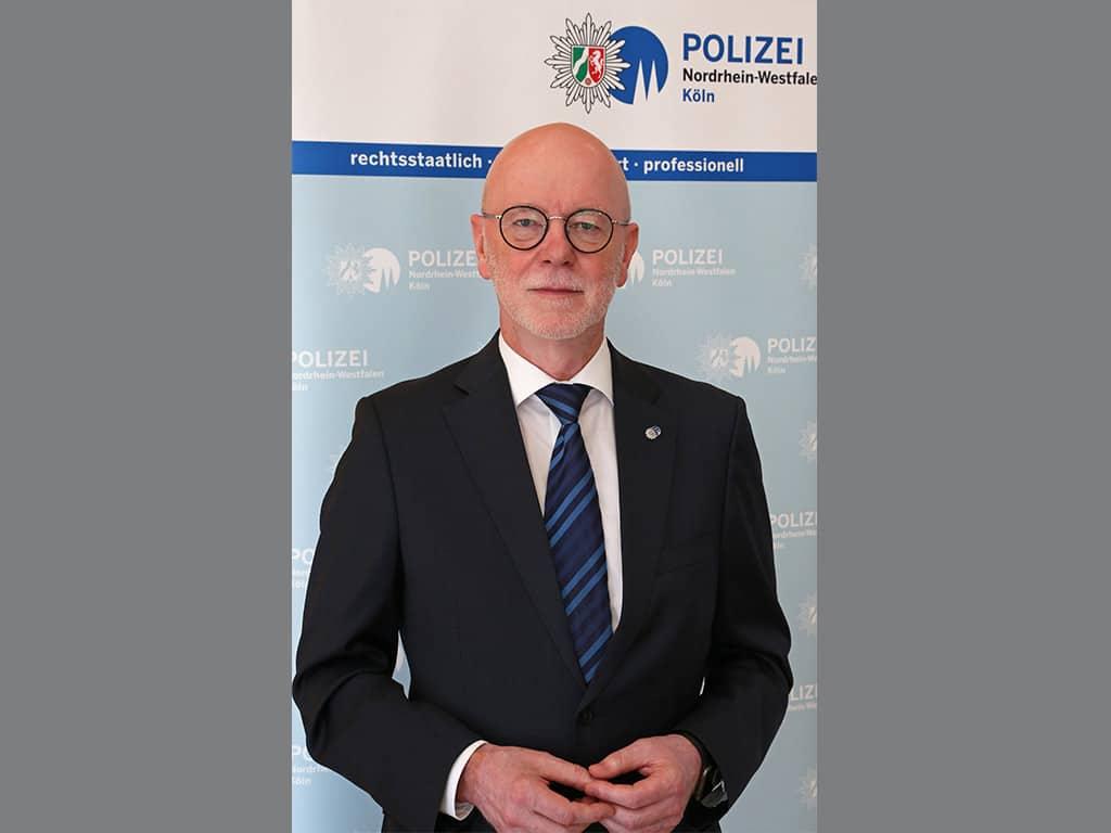 Auch Kölns Polizeipräsident Uwe Jacob zieht eine positibe Bilanz zur Sessionseröffnung in Köln am 11.11.2020. (Archivbild)