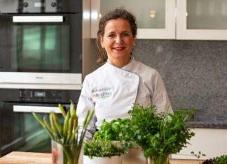 Stefanie Kleiner ist Inhaberin der Kölner Kochschule esswahres in Sülz. Ab sofort bietet die Genuss-Expertin flexible Online-Kochkurse an.