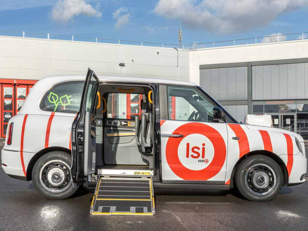 Die Isi-Fahrzeuge sind barrierearm ausgestattet und verfügen über eine Rampe für Rollstuhlfahrer.