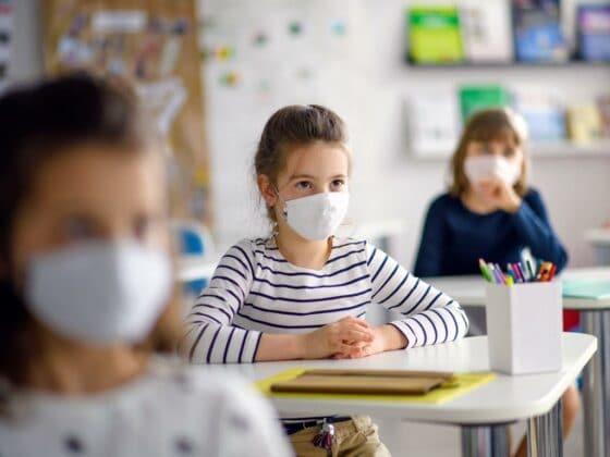 Übersicht: Die neuen Corona-Regelungen für Schulen und Kitas in NRW!