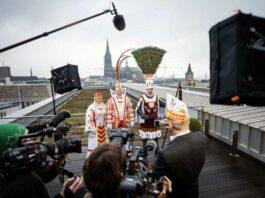 Das WDR Fernsehen zeigt die Proklamation des Kölner Dreigestirns 2021 als kölschen Film.