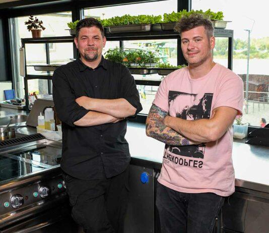 In der Kitchen Impossible Folge am Sonntag, 21.02.2021, treten die Tim Mälzer und Daniel Gottschlich gegeneinander an.