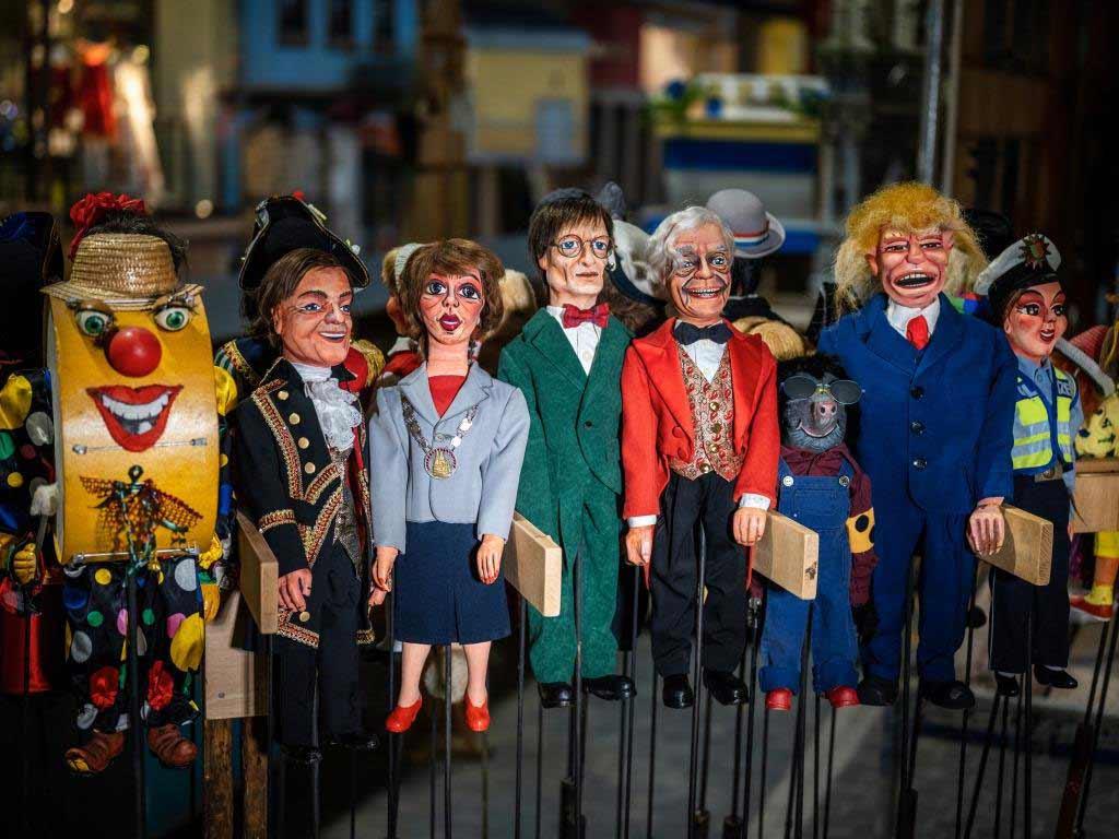 Der Kölner Rosenmontagszug 2021 wird zum Puppenspiel.