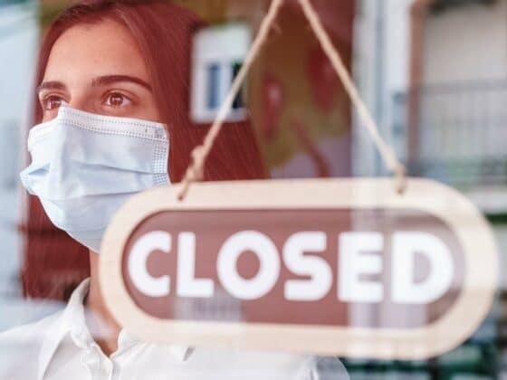 Ab 29.03.2021 wird in Köln die sogenannte Corona-Notbremse gezogen. Zahlreiche Geschäfte müssen wieder schließen und gelten schärfere Regeln und Maßnahmen in der Domstadt. (Symbolbild)