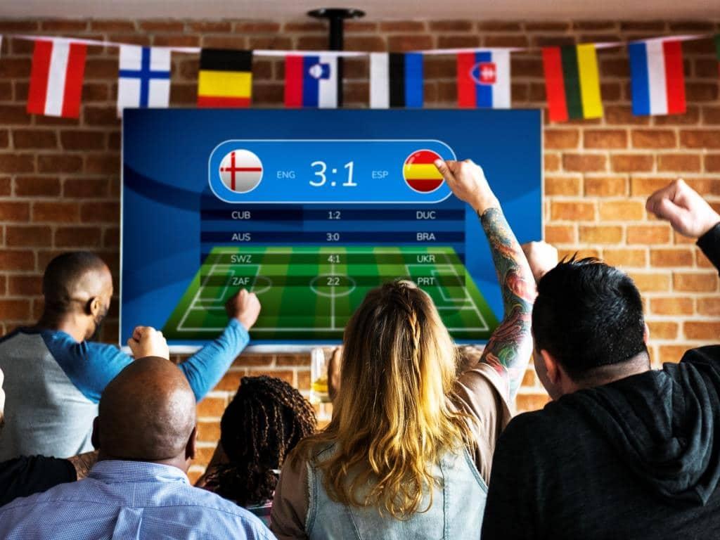 Public Viewing zur EM: Fußball gucken in Köln mit Infektionsschutz (Symbolbild)