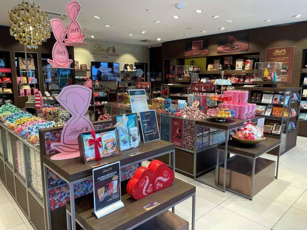 Neben dem Standard-Sortiment bietet der Store in der Rheinmetropole zudem exklusive Produkte.
