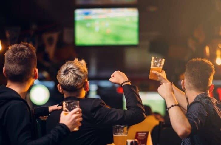 Fußball-EM 2021: Stadt Köln erlaubt Public Viewing in der Gastronomie (Symbolbild)