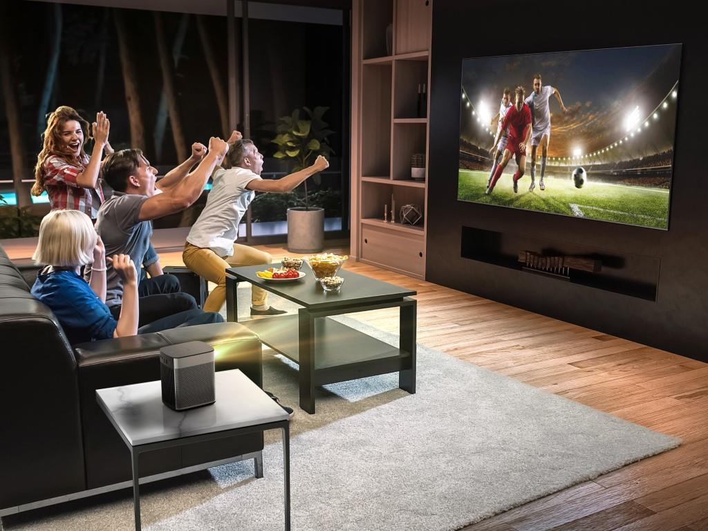 XGIMI präsentiert mit seiner neuen Horizon-Serie seine bisher leistungsstärksten Beamer. So kommt die Stadion-Atmosphäre in 4K direkt nach Hause.