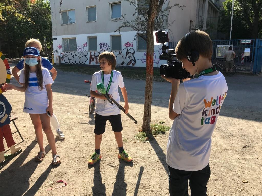 Zwölf Kinder und Jugendliche fragen im Rahmen einer Kinderreporter-Aktion bei Kölner Initiativen nach, welche Rechte sie haben.